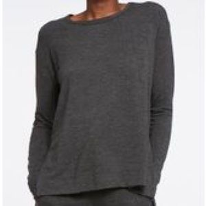 Bandier Cale Camille pullover in heather charcoal